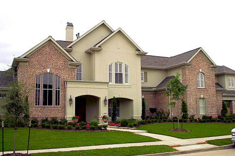 Traditional Exterior - Front Elevation Plan #61-179 - Houseplans.com