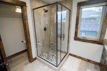 Craftsman Interior - Bathroom Plan #892-13