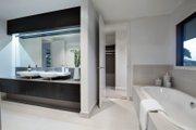 Modern Style House Plan - 4 Beds 2.5 Baths 3584 Sq/Ft Plan #496-18 Interior - Master Bathroom