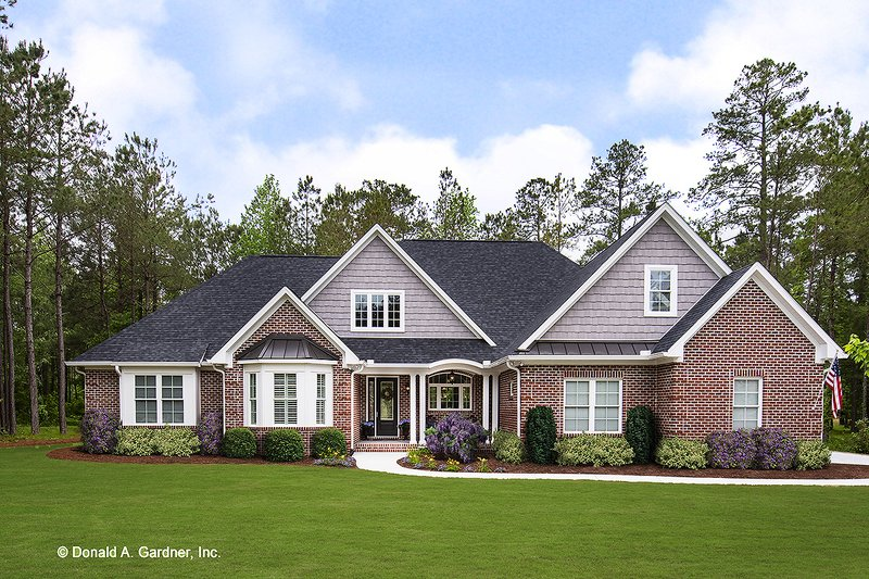 European Style House Plan - 4 Beds 3 Baths 2485 Sq/Ft Plan #929-25 Exterior - Front Elevation