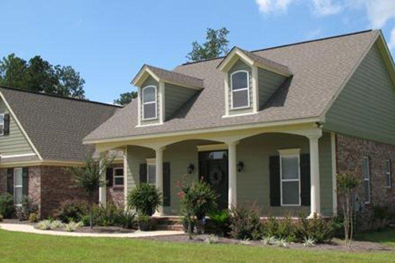 Traditional Photo Plan #21-221 - Houseplans.com