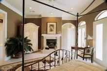 Classical Interior - Bedroom Plan #1021-3