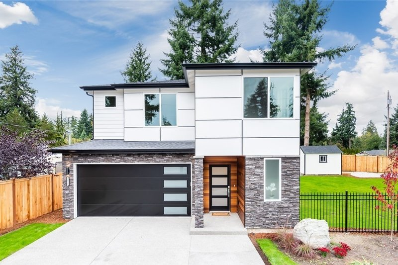 Contemporary Style House Plan - 4 Beds 2.5 Baths 2067 Sq/Ft Plan #1066-88