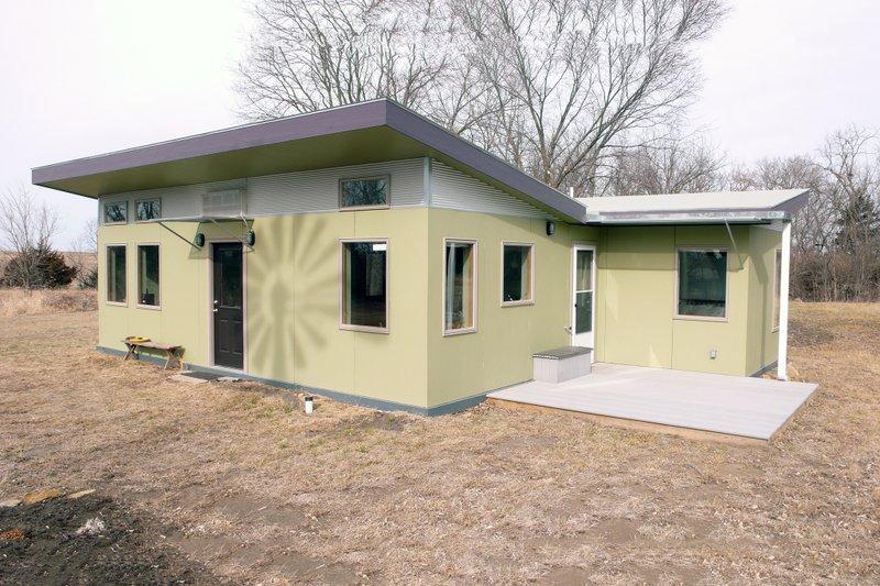 Modern Style House Plan - 1 Beds 1 Baths 640 Sq/Ft Plan #486-2