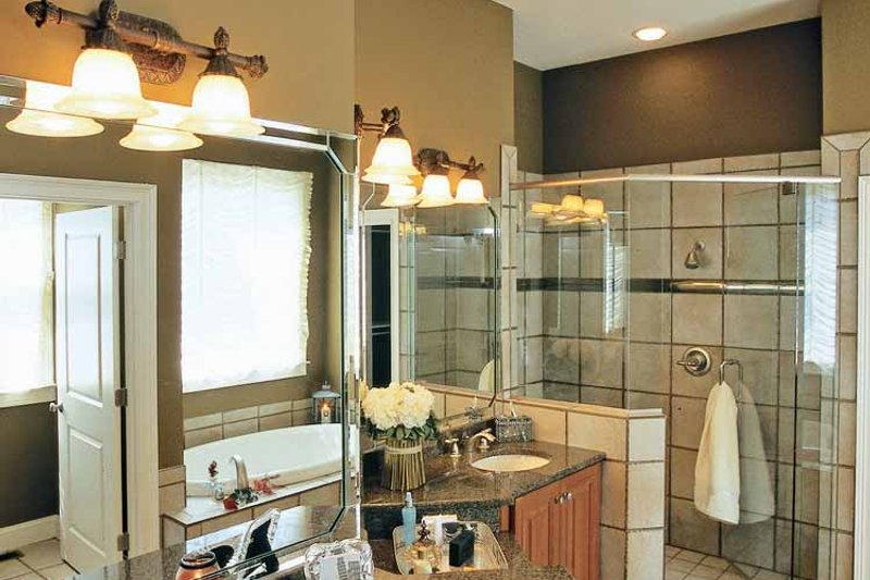 Craftsman Interior - Bathroom Plan #927-917 - Houseplans.com