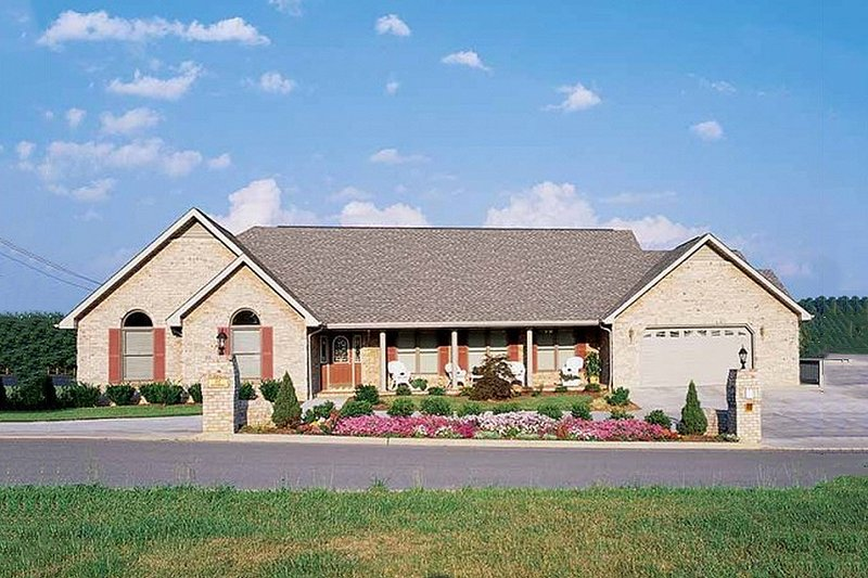 House Blueprint - Ranch Exterior - Front Elevation Plan #72-212