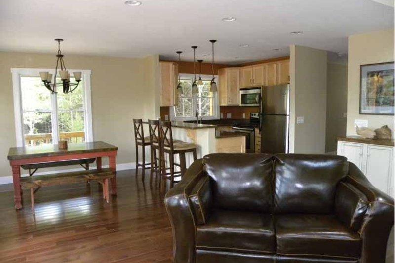 Traditional Interior - Kitchen Plan #118-145 - Houseplans.com