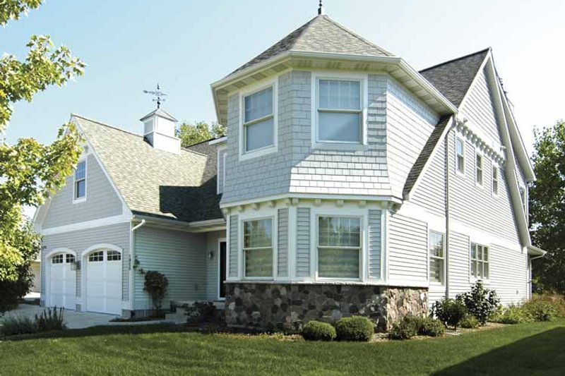 House Plan Design - Traditional Exterior - Front Elevation Plan #928-70
