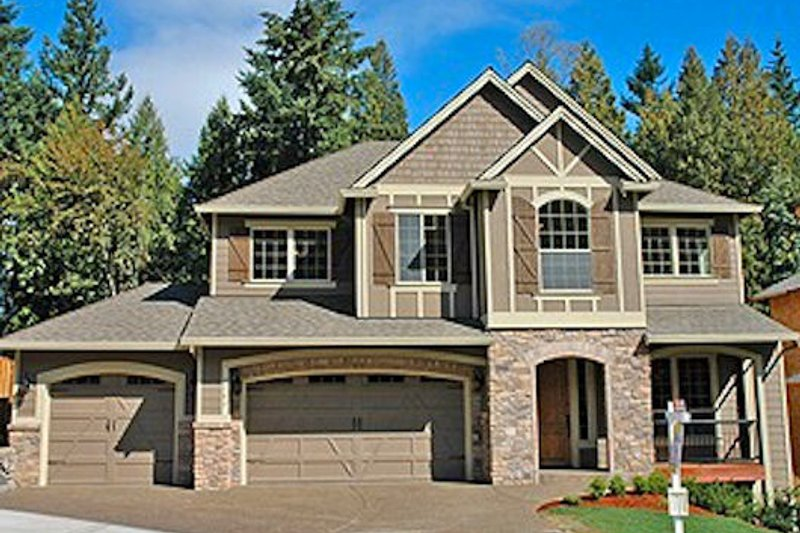 Tudor Style House Plan - 3 Beds 2.5 Baths 2878 Sq/Ft Plan #487-6 Exterior - Front Elevation