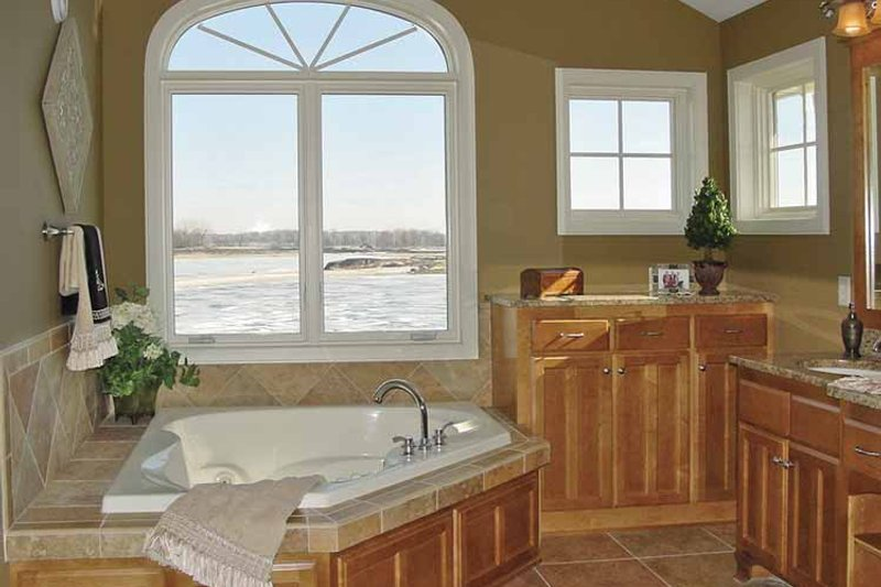 Craftsman Interior - Bathroom Plan #320-998 - Houseplans.com