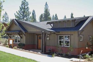 Dream House Plan - Craftsman Exterior - Front Elevation Plan #895-61