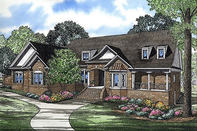 European Style House Plan - 3 Beds 4.5 Baths 4532 Sq/Ft Plan #17-240 Exterior - Front Elevation