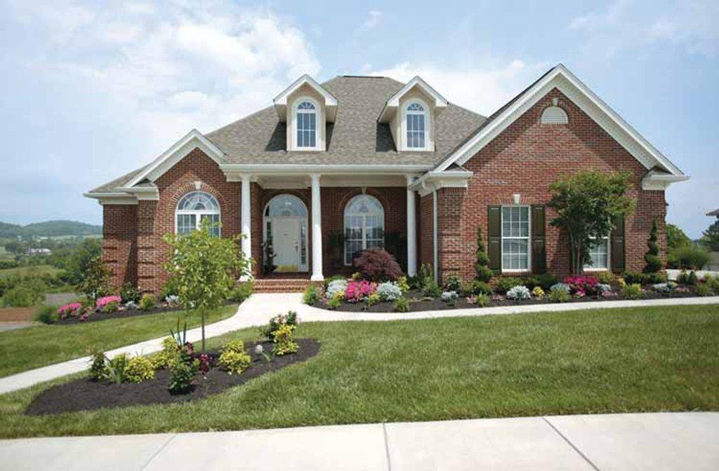 Ranch Style House Plan 4 Beds 2 5 Baths 2500 Sq Ft Plan 472 168 Builderhouseplans Com