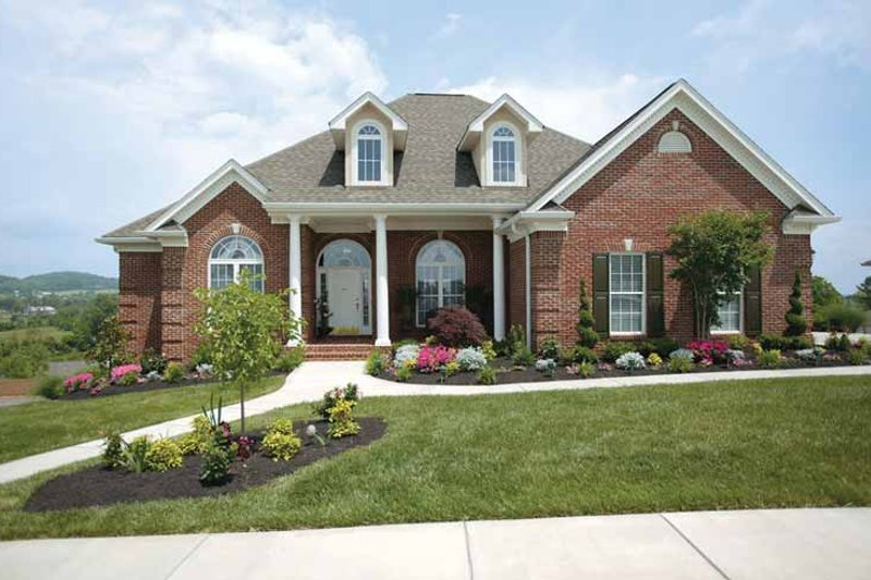 Dream House Plan - Ranch Exterior - Front Elevation Plan #472-168