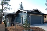 Craftsman Style House Plan - 3 Beds 2.5 Baths 1693 Sq/Ft Plan #895-89 Exterior - Rear Elevation