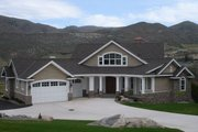 Craftsman Style House Plan - 4 Beds 4 Baths 2815 Sq/Ft Plan #132-211 Exterior - Front Elevation