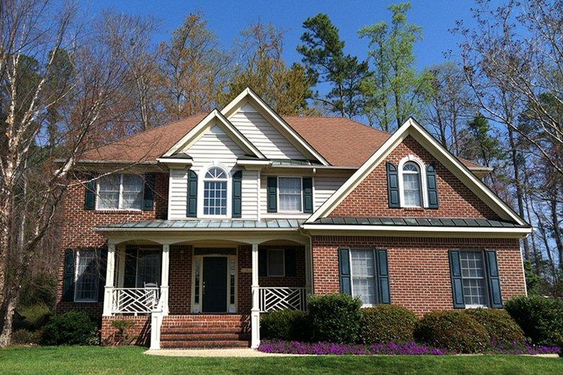 Colonial Exterior - Front Elevation Plan #927-218 - Houseplans.com