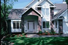 Home Plan - Traditional Exterior - Front Elevation Plan #320-527