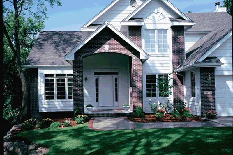Traditional Exterior - Front Elevation Plan #320-527