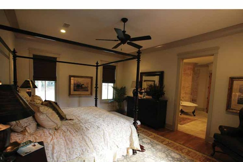Bungalow Interior - Master Bedroom Plan #37-278 - Houseplans.com
