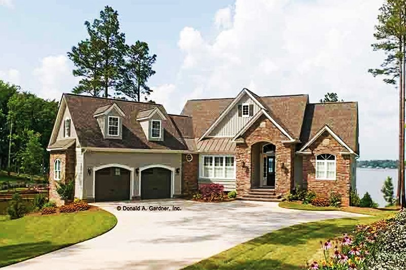 European Exterior - Front Elevation Plan #929-906 - Houseplans.com