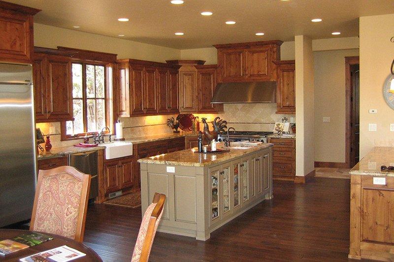 Craftsman Interior - Kitchen Plan #892-19 - Houseplans.com