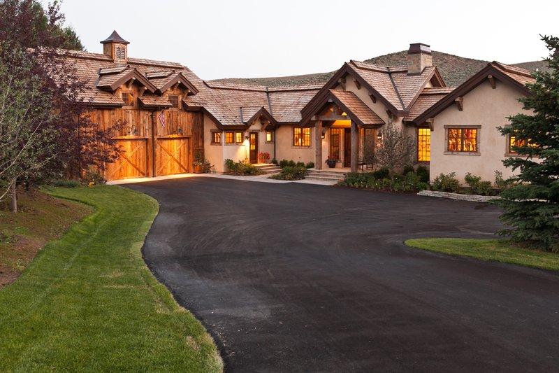 House Plan Design - Craftsman Exterior - Front Elevation Plan #451-20