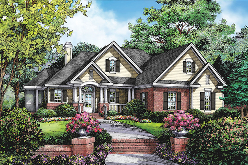 Traditional Exterior - Front Elevation Plan #929-910 - Houseplans.com
