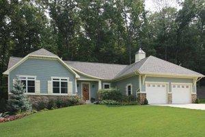 Craftsman Exterior - Front Elevation Plan #928-145