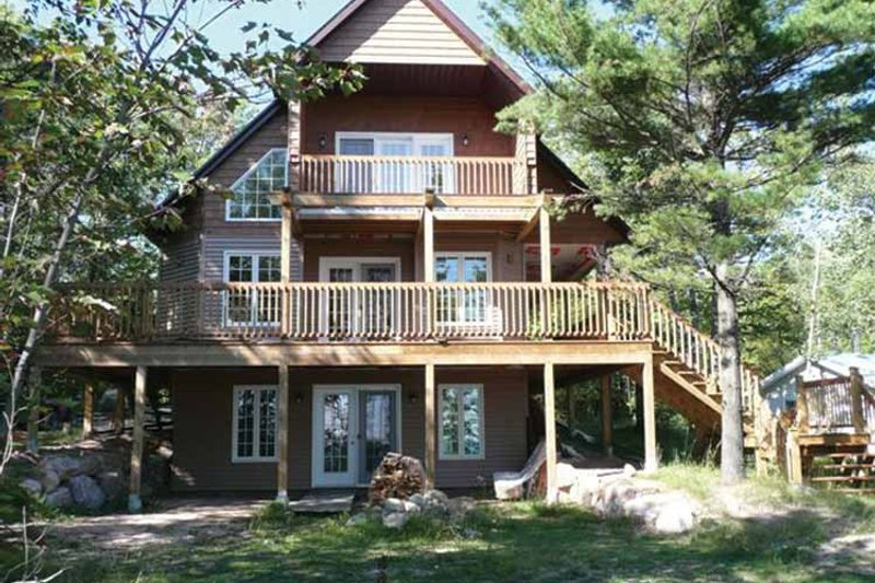 Traditional Exterior - Rear Elevation Plan #118-145 - Houseplans.com