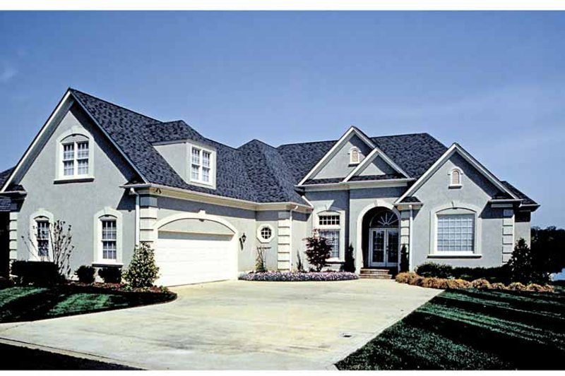 Traditional Exterior - Front Elevation Plan #453-532 - Houseplans.com
