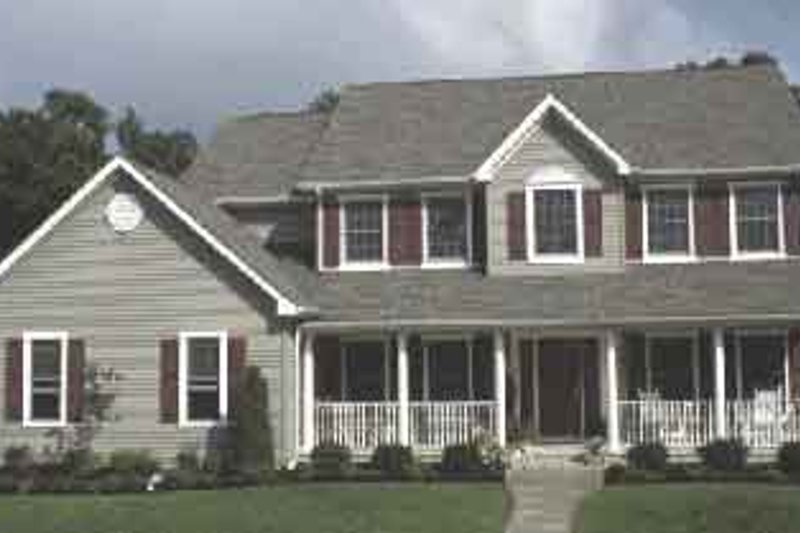 Farmhouse Style House Plan - 4 Beds 2.5 Baths 2644 Sq/Ft Plan #20-2016 Exterior - Front Elevation