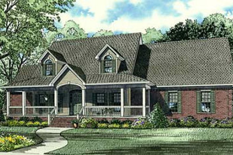 Traditional Style House Plan - 4 Beds 2.5 Baths 2482 Sq/Ft Plan #17-1179 Exterior - Front Elevation