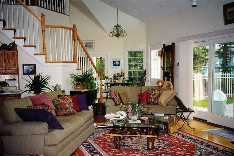 Country Interior - Family Room Plan #314-184 - Houseplans.com