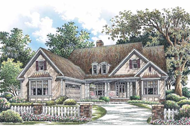 Traditional Exterior - Front Elevation Plan #929-724 - Houseplans.com