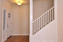 Craftsman Interior - Entry Plan #124-1210