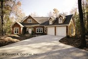 Craftsman Style House Plan - 4 Beds 3 Baths 3301 Sq/Ft Plan #929-754 Exterior - Front Elevation