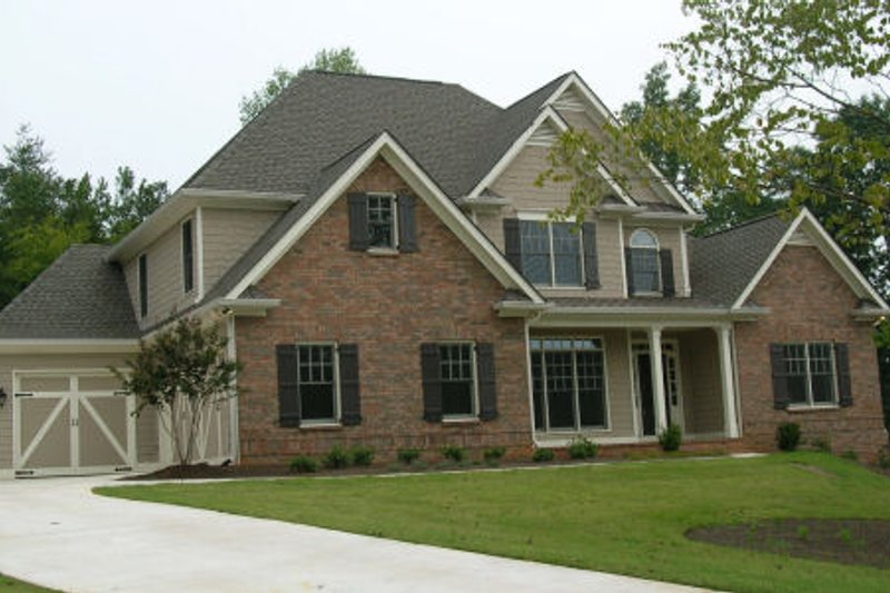 Traditional Exterior - Front Elevation Plan #437-35 - Houseplans.com