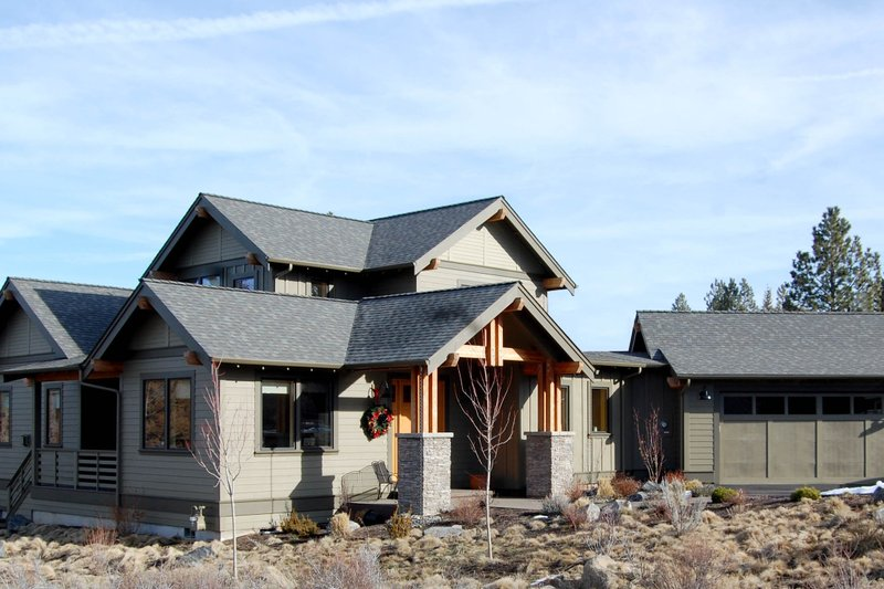 Craftsman Style House Plan - 3 Beds 2.5 Baths 3009 Sq/Ft Plan #895-4 Exterior - Other Elevation