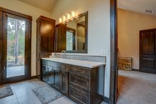 Craftsman Interior - Master Bathroom Plan #892-28