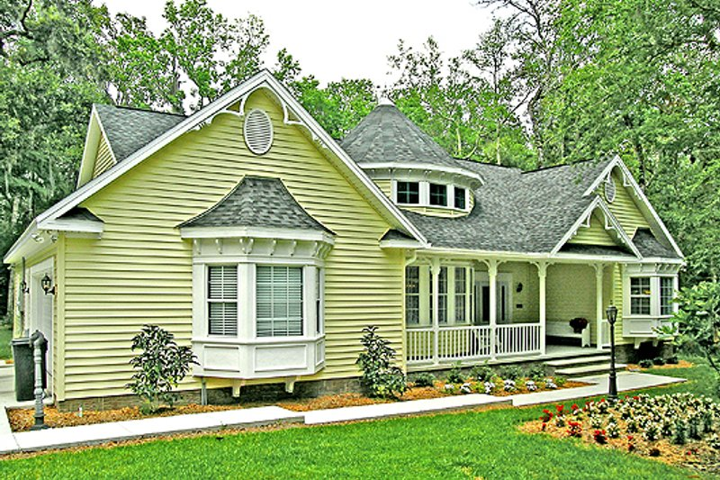 Country Style House Plan - 3 Beds 2 Baths 1800 Sq/Ft Plan #456-1 Exterior - Front Elevation