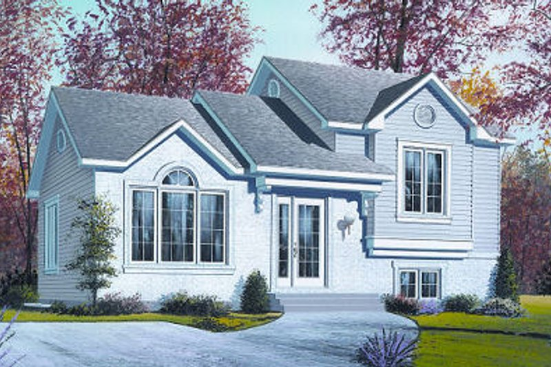 Traditional Style House Plan - 2 Beds 1.5 Baths 914 Sq/Ft Plan #23-704 Exterior - Front Elevation