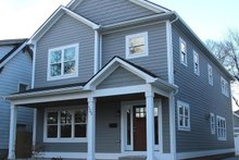 Traditional Exterior - Front Elevation Plan #1057-13