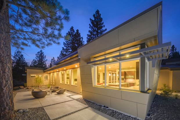 Medium-Size Modern Plan Finalists in the 2015 Howies