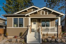 Craftsman Exterior - Front Elevation Plan #895-104