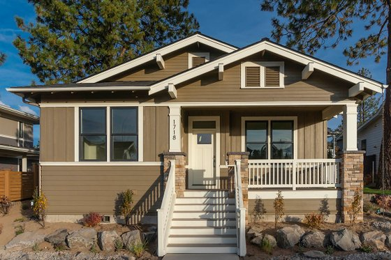 Craftsman Exterior - Front Elevation Plan #895-104