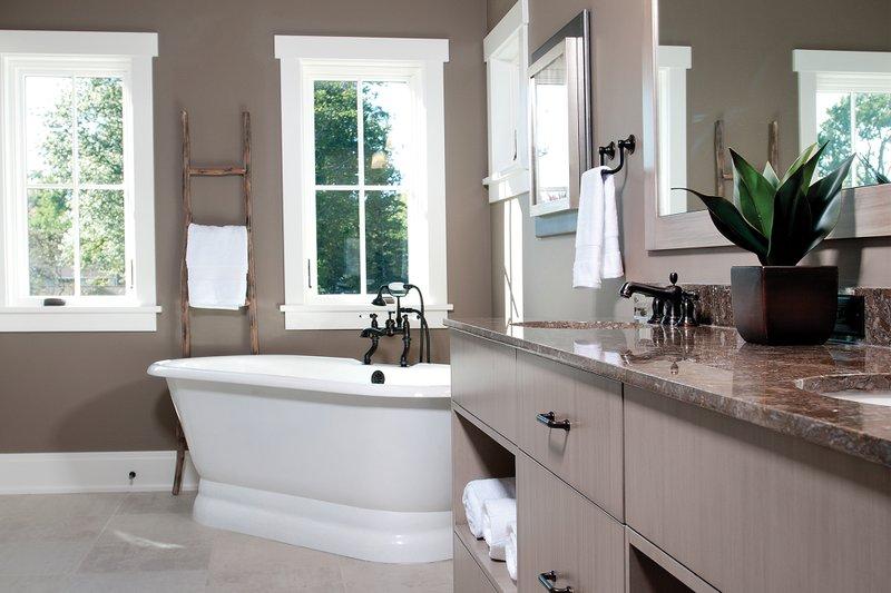 Traditional Interior - Master Bathroom Plan #928-11 - Houseplans.com