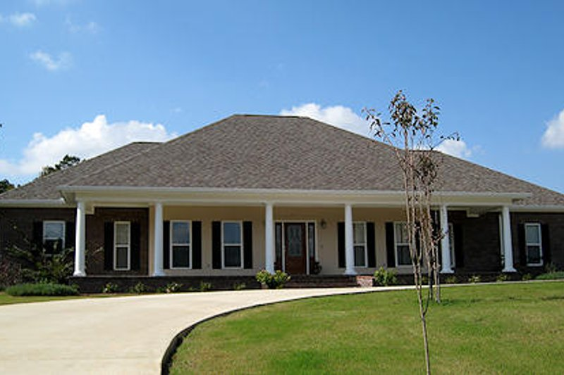 Southern Photo Plan #44-126 - Houseplans.com