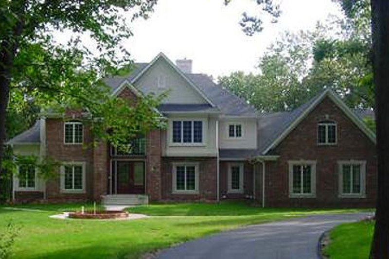 Dream House Plan - Traditional Exterior - Front Elevation Plan #70-555