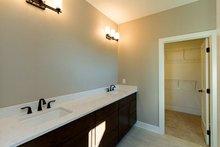 Ranch Interior - Master Bathroom Plan #70-1458
